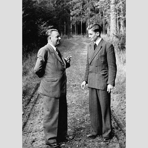 Adolf Würth i Reinhold Würth u šetnjišumom
