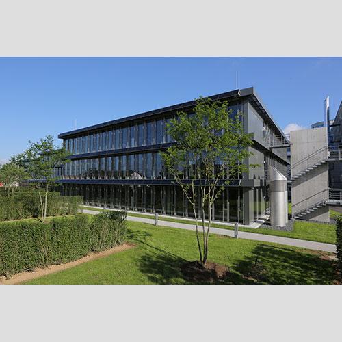 Novosagrađena zgrada uprave